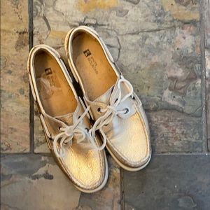 White Mountain gold topsider shoes